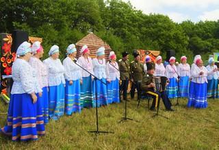 Более 800 участников собрались на фестивале «Хоровод дружбы» под Уссурийском