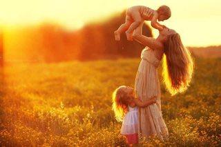 «Прекрасен мир любовью материнской»