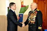 Евгений Корж поздравил с 90-летием Почётного гражданина УГО Владимира Кузьмина