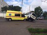 Скорая помощь на полном ходу врезалась в микроавтобус в Уссурийске