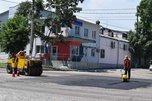 Места перекопов после укладки газопровода асфальтируют в Уссурийске