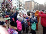 Новогодние праздники пришли во дворы Уссурийска