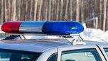 В Приморье мужчина заперся в машине и угрожал полицейским гранатой