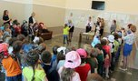Детсадовцы получили награды за рисунки от транспортных полицейских и железнодорожников Уссурийска