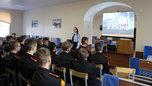 В Уссурийске транспортные полицейские провели «День правовых знаний» для воспитанников суворовского училища