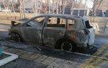 Всю ночь горел автомобиль в Уссурийске