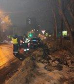 В Уссурийске полицейские устанавливают обстоятельства ДТП с участием патрульного автомобиля