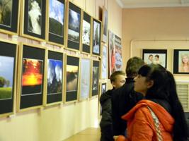 Выставка «Мир вокруг нас» работает в Центре народного творчества