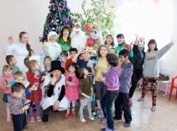 Волонтеры из Уссурийска посещают детские центры и больницы