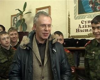 Вячеслав Фетисов посетил Уссурийск  как сенатор и хоккеист