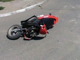 Мотоциклист сбил пожилую женщину в Уссурийске