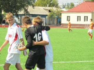 «Мостовик 98-99» из Уссурийска остановил беспроигрышную серию «Сахалина»