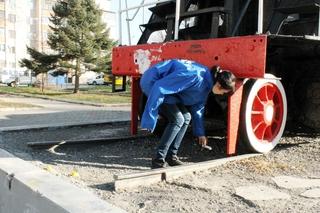 Боле 20 мешков мусора собрали с памятников жители Уссурийска