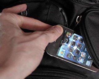 Владельцы дорогих телефонов становятся жертвами