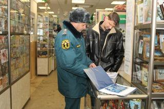 Предновогодние рейды по магазинам пиротехники проходят в Уссурийске