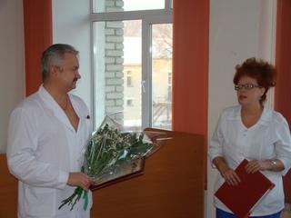 Один из лучших офтальмологов Уссурийска отмечает юбилей