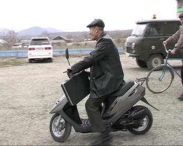 Feldsher_lunin_moped