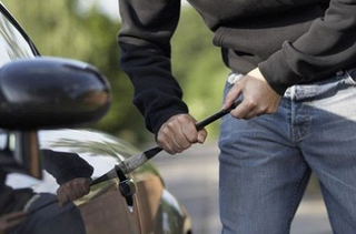 Полицейские задержали жителя Уссурийска подозреваемого в автоугоне