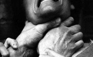 Двое пьяных жителей Уссурийска задушили и ограбили мужчину