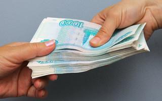 Сотрудника ГИБДД поймали на крупной взятке в Уссурийске