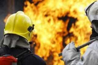 В Уссурийске на улице Промышленная горел гараж
