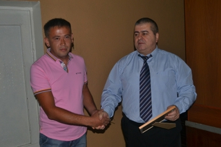 Полицейские выразили благодарность жителю Уссурийска, задержавшему подозреваемого в краже