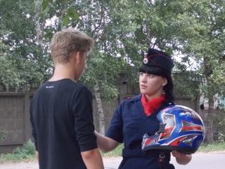 Cотрудники Госавтоинспекции провели акцию «Шлем – всему голова» в Уссурийске