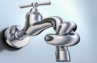 Уссурийских коммунальщиков наказали за 11-часовое отключение воды