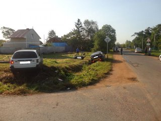Водитель такси, не соблюдающий ПДД, спровоцировал аварию в Уссурийске