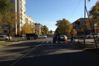 В Уссурийске школьница попала под колеса, переходя дорогу на красный свет