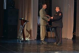 В Уссурийске полицейские поздравили победителей конкурса «Лучшая добровольная народная дружина»