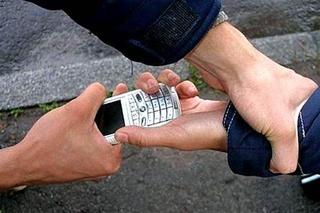 22-летний житель Уссурийска задержан за кражу мобильного телефона