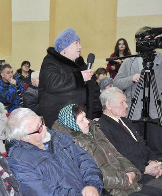 Глава администрации провёл очередную выездную встречу с жителями сел Каменушка и Каймановка