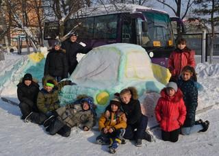 В Уссурийске сотрудники ГИБДД провели конкурс «Снежные фигуры о ПДД»