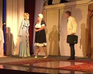 72 театральный сезон Драматического театра начался с «Зойкиной квартиры»