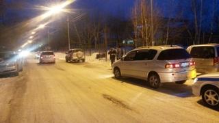 8-летний мальчик угодил под машину в Уссурийске