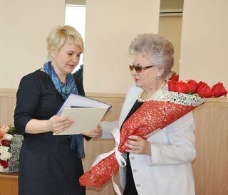 Почетного гражданина УГО с 80-летним юбилеем поздравили в администрации