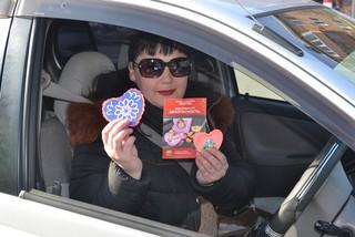 Сотрудники ГИБДД подарили валентики водителям в Уссурийске