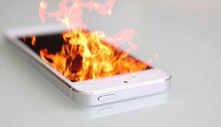 Американец серьезно пострадал из-за взрыва смартфона в собственном кармане