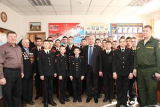 «Урок мужества» для курсантов суворовского училища прошел в Уссурийске