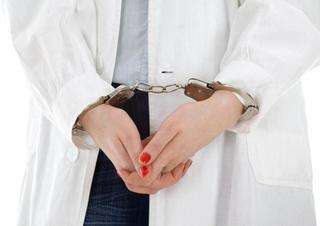 Медсестра осуждена за посредничество во взяточничестве в Уссурийске