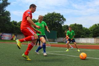 Товарищеский матч по футболу между Монолитом и Донбассом прошел на городском стадионе Уссурийска