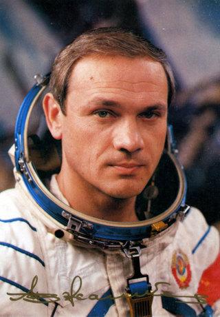 Уссурийск посетит летчик-космонавт, генерал-майор авиации Владимир Джанибеков