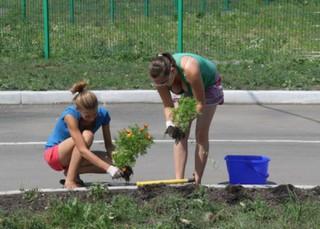 Около 8 млн.рублей заработали подростки на летних каникулах в Уссурийском городском округе