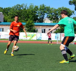 Турнир по футболу вышел на прямую полуфинала