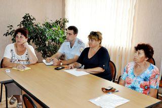 Продолжаются встречи заместителей главы администрации УГО с жителями сельских территорий