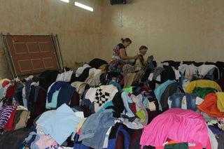 Пункт сбора и выдачи гуманитарной помощи пострадавшим от наводнения работает круглосуточно