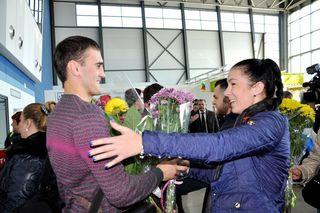 Чемпиона мира по кикбоксингу Александра Захарова в аэропорту встретила уссурийская делегация