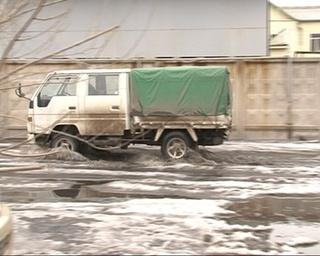 По улицам Уссурийска текут ручьи
