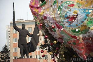 На центральной площади Уссурийска открылся ледовый городок